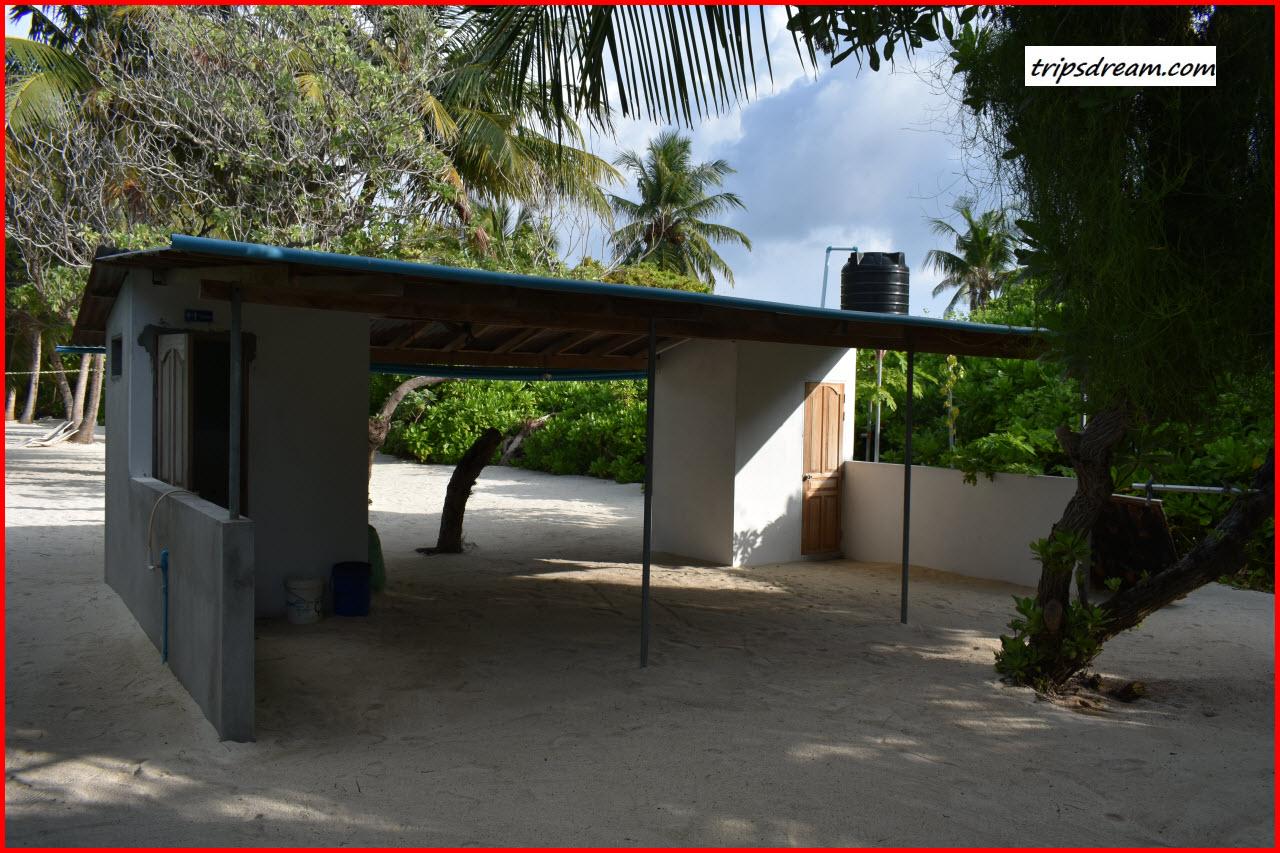DSC_0356_BeachToilet