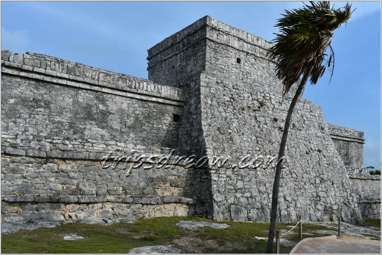 Тулум - крепость Эль-Кастильо